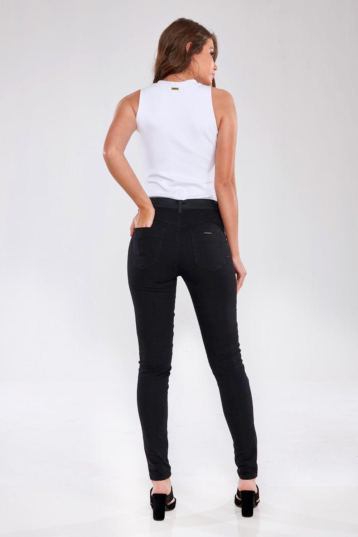Calça Skinny Resinada Luxo - GATABAKANA