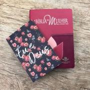 Bíblia da Mulher Grande Revista e Atualizada + Brinde - Flor Costurada