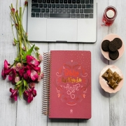 Bíblia ilustrada anote rosa brilhante - NVT + Brinde