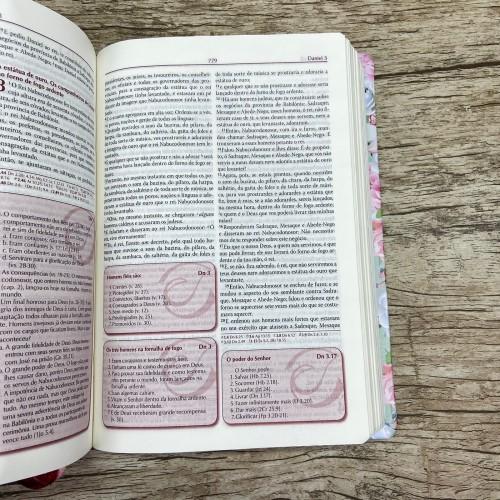 A Bíblia da Pregadora - Pequena - Floral verde - RC