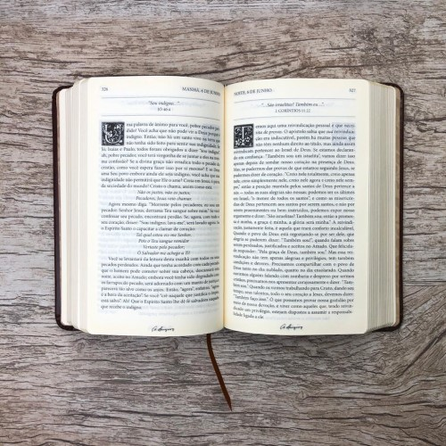 Bíblia De Estudos E Sermões Spurgeon + Devocional