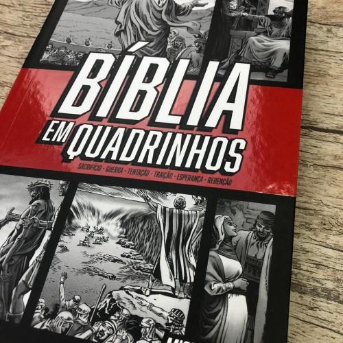 Bíblia em Quadrinhos - Capa Vermelha