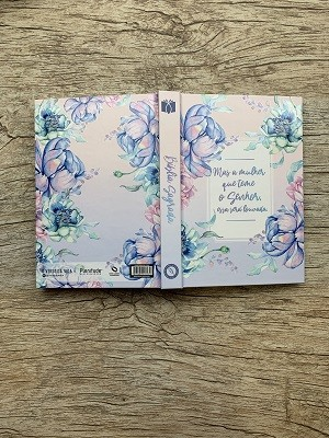 Bíblia Floral A Mulher que Teme / NAA / Capa Dura
