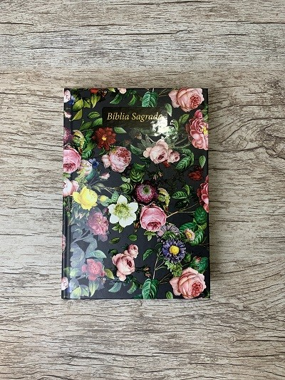 Bíblia Sagrada Feminina - Letra Grande - NAA - Jardim do Édem