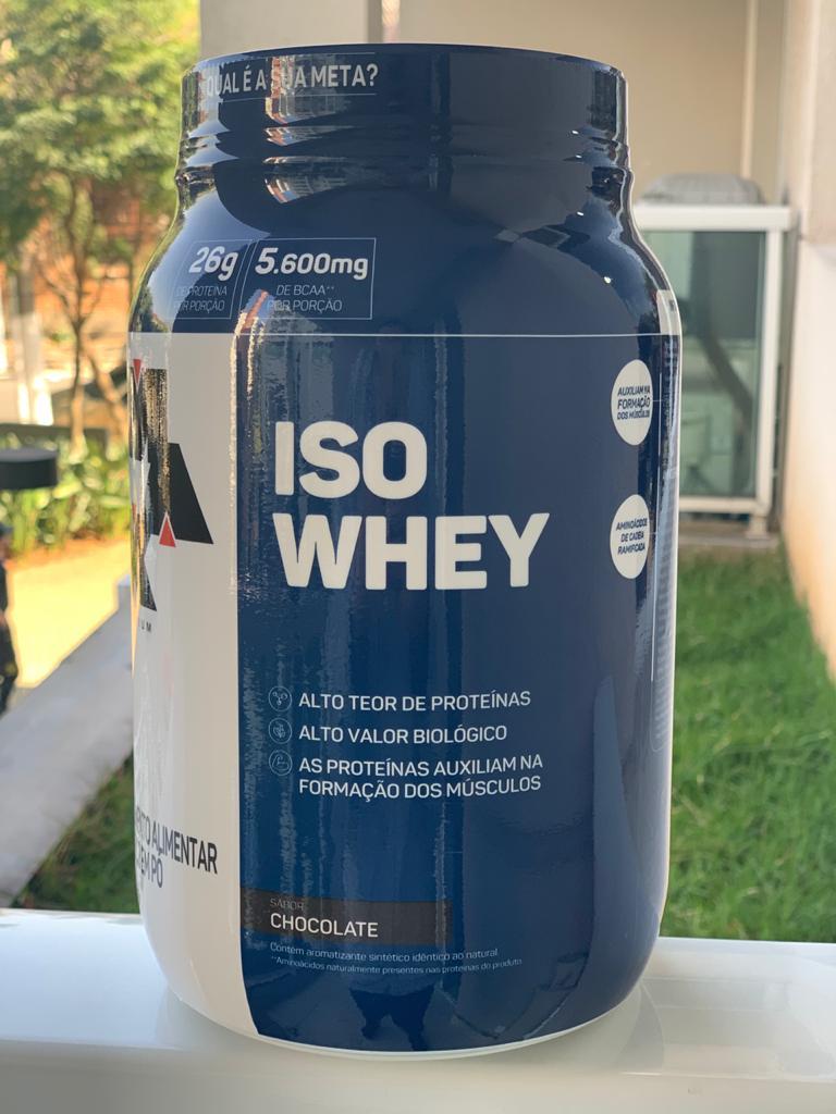 ISO WHEY CHOCOLATE 900G - MAX TITANIUM