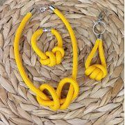 Kit com Colar Pulseira e Chaveiro - Amarelo