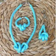 Kit com Colar Pulseira e Chaveiro - Azul Claro