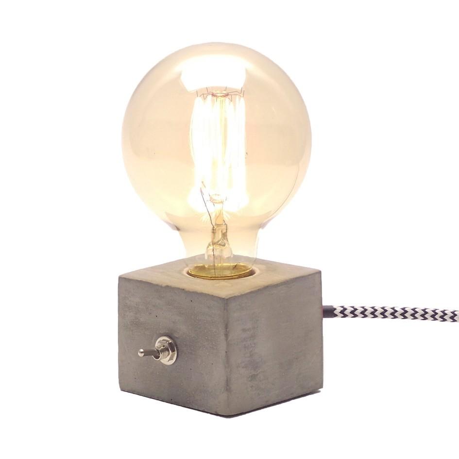 Combo Luminária de Mesa, Abajur Dado mais Lâmpada G95 Filamento de Carbono  - ZOLT luminárias