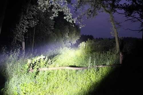 Lanterna Profissional Cree Led Recarregável