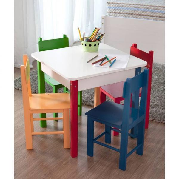 Mesa Infantil com 4 Cadeiras