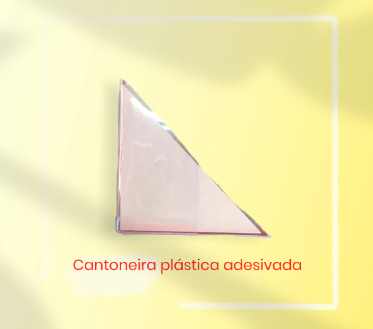 Cantoneira plástica adesivada