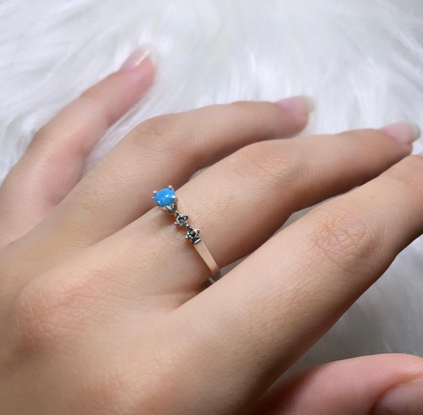 Anel Solitário Zircônia Azul com Marcassitas Envelhecido