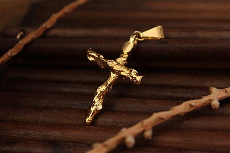 Pingente Galho de Açaí Formato Crucifixo