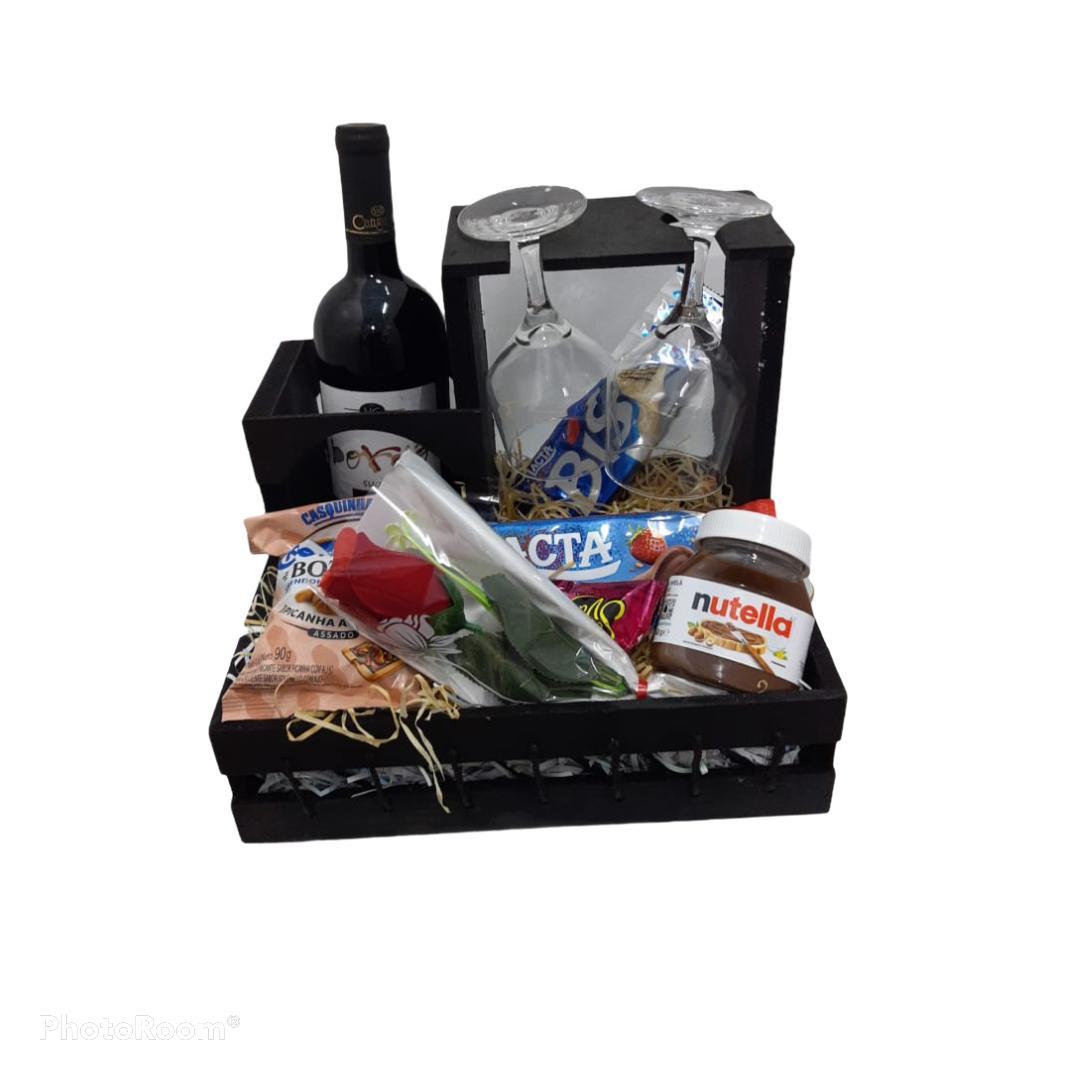 Cesta c/ Vinho Dia dos Namorados - PRODUTO ENTREGUE SOMENTE NA REGIÃO (ENTRAR EM CONTATO (34) 9 9103-2567