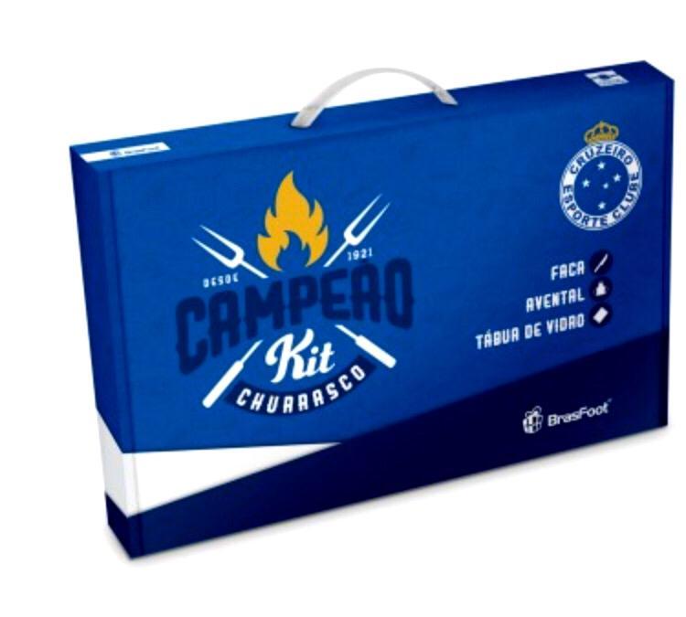 FACA + AVENTAL + TÁBUA - CRUZEIRO Disponível: Em Estoque  Acesse para ver preços Código: 2930 Capacidade: Faca + Avental + Tábua de vidro Tamanho: Altura : 25 cm Comprimento : 35 cm Largura : 0,4 cm