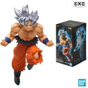 BANDAI DRAGON BALL SUPER GOKU ULTRA INSTINCT BATTLE FIGURE