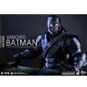 HOT TOYS ARMORED BATMAN CHROME MMS356