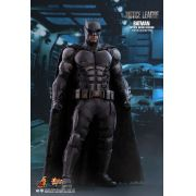 HOT TOYS BATMAN TACTICAL BATSUIT VER JUSTICE LEAGUE MMS432