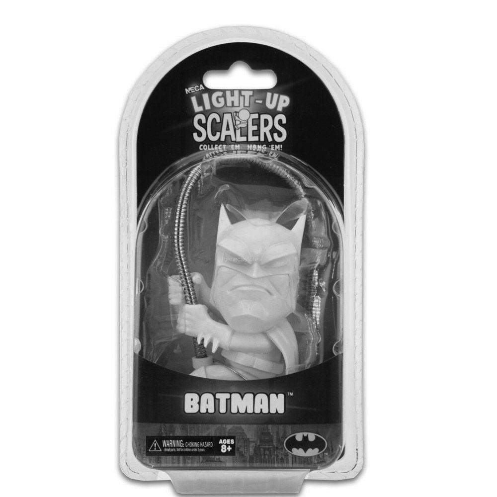 Miniatura Scaler Light Up DC Comics BATMAN - Neca