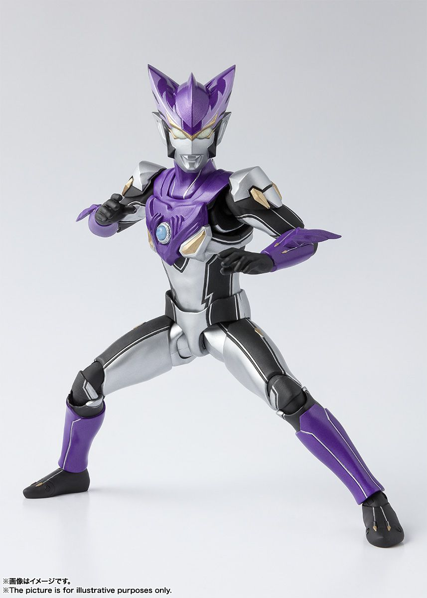 S.H FIGUARTS ULTRAMAN ROSSO WIND ACTION FIGURE