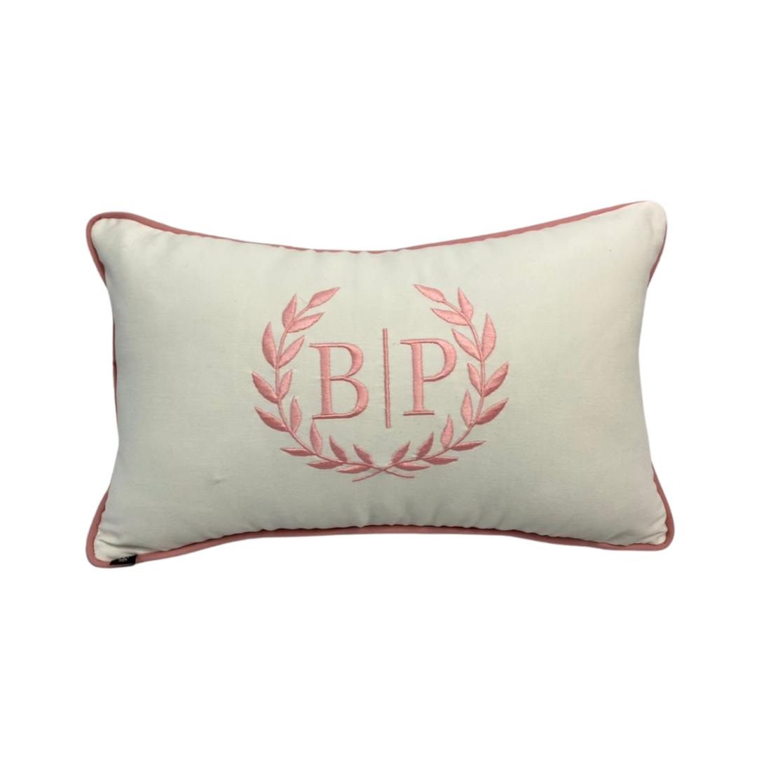 Almofada inicial brasão: branco e rosa