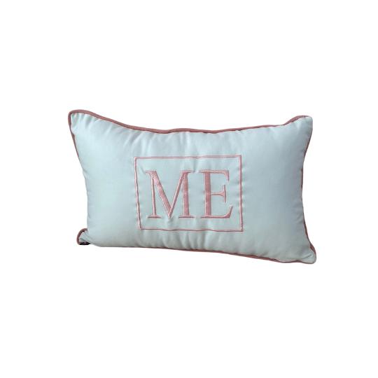 Almofada inicial retângulo: branco com rose - M E