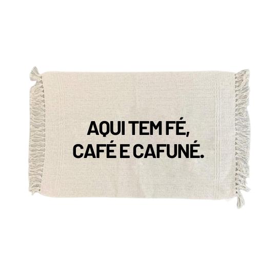 Tapete bege: aqui tem café...