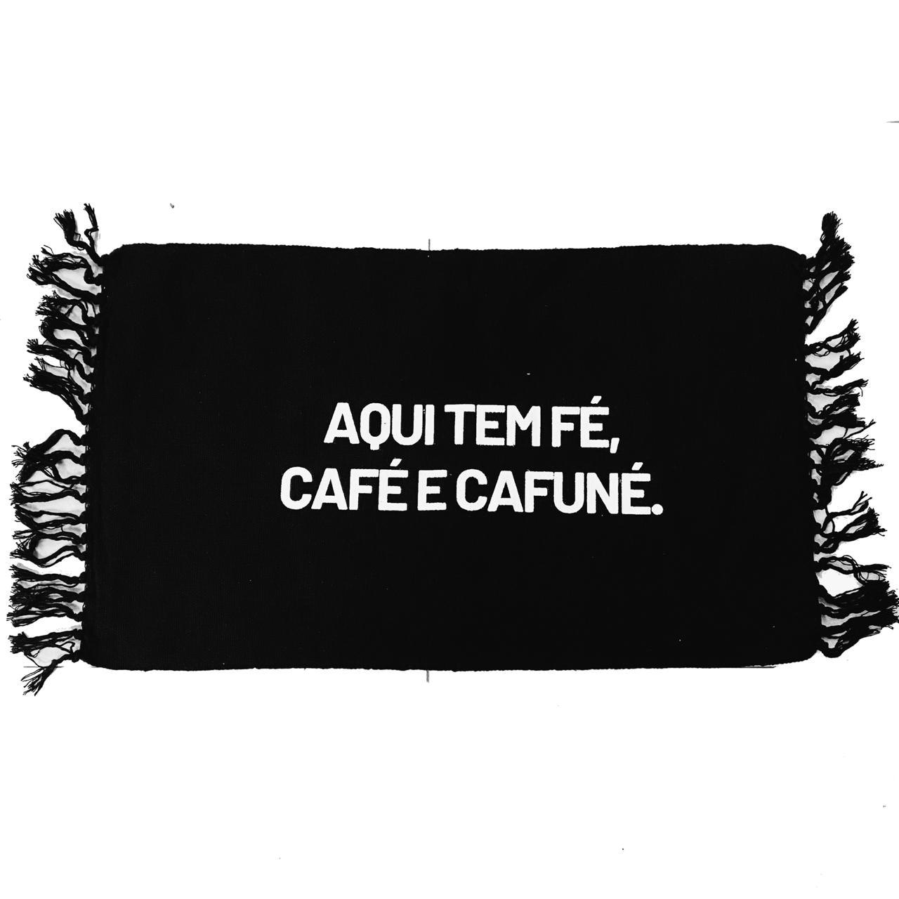 Tapete preto: aqui tem café...