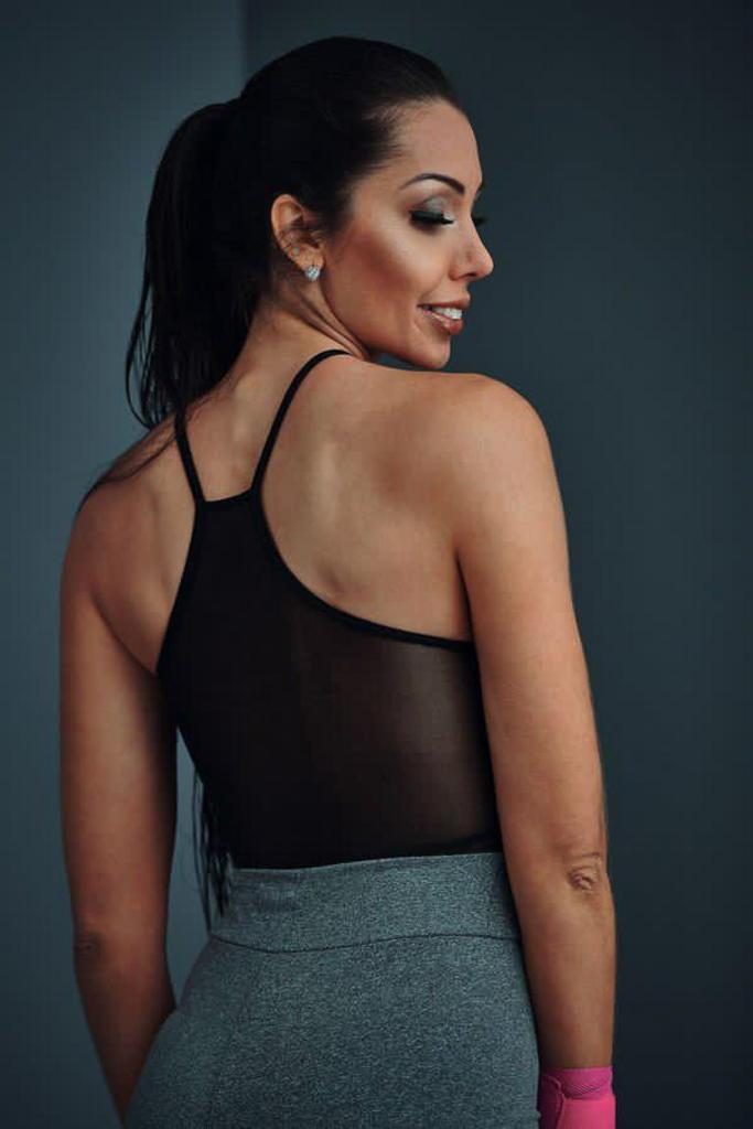 Macacão curto com detalhe nas costas de poliamida  - Lamark Fitness