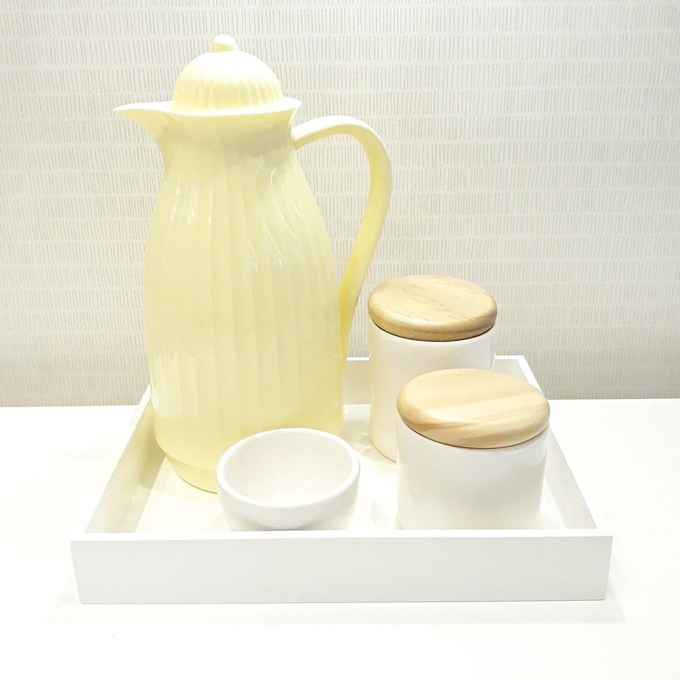 Kit Higiene Amarelo e Branco