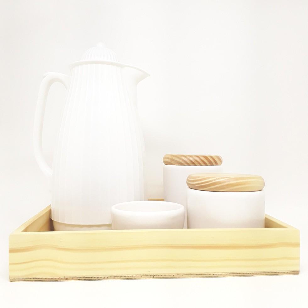 Kit Higiene Branco e madeira