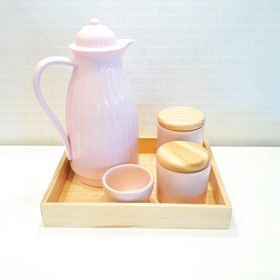 Kit Higiene Rosa com madeira