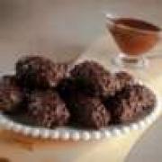 Bombom de Chocolate 70% com Crispies de Quinoa com recheio de Caramelo de Tâmara-100g