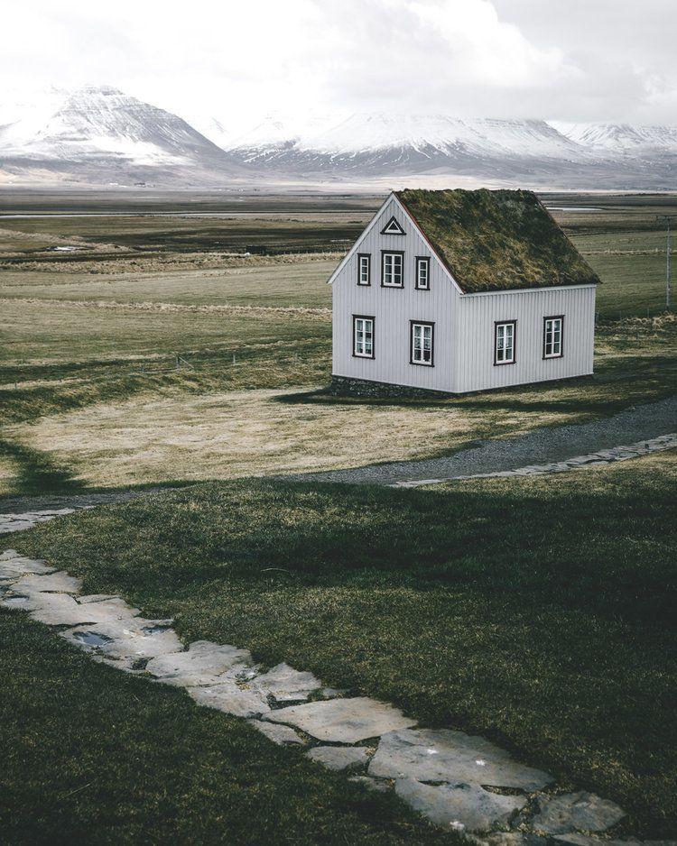 Grass House, 2018, da série Terra de fogo e gelo