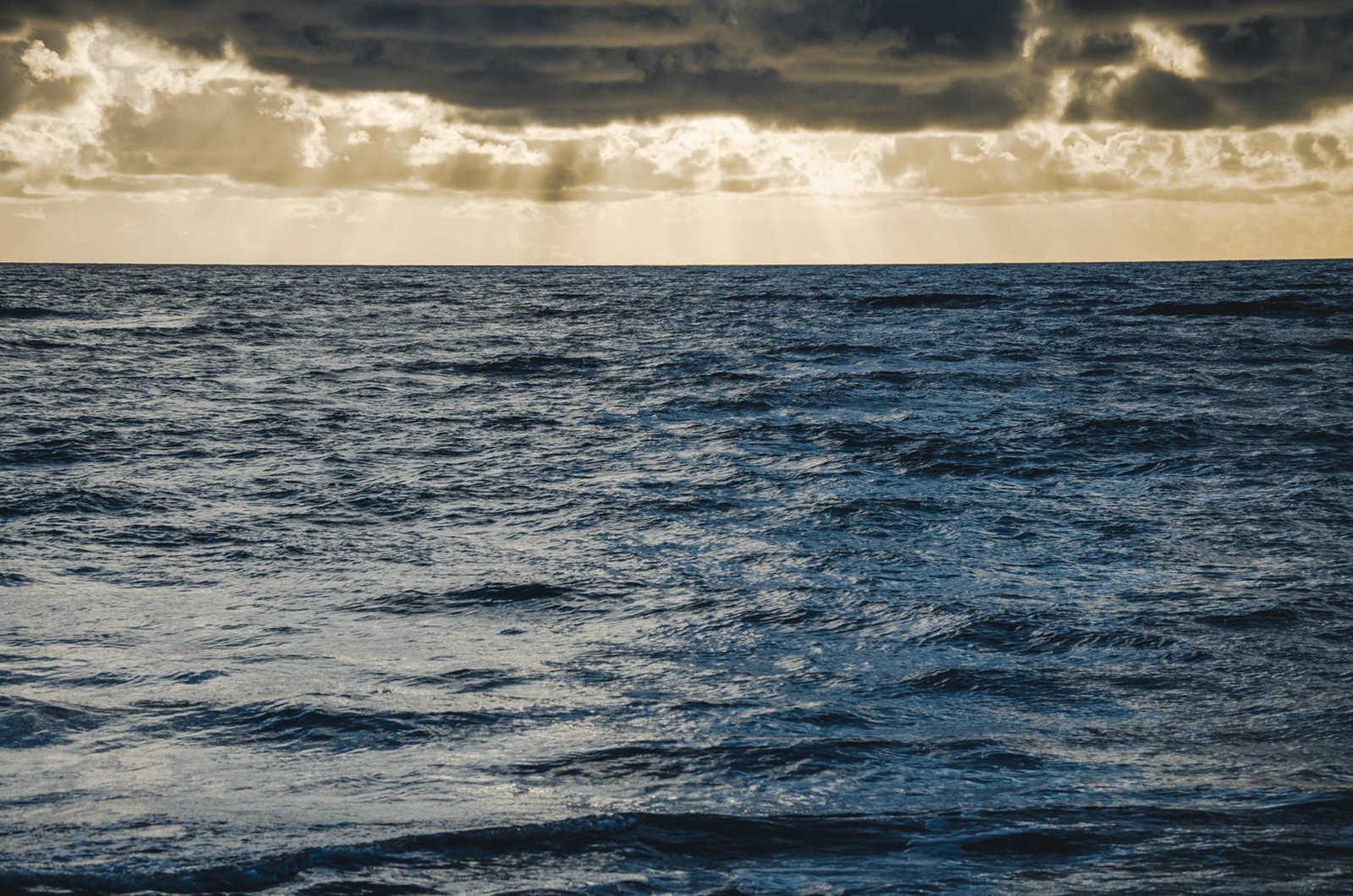 Raylight on the Sea, 2015, da série Across Brazil