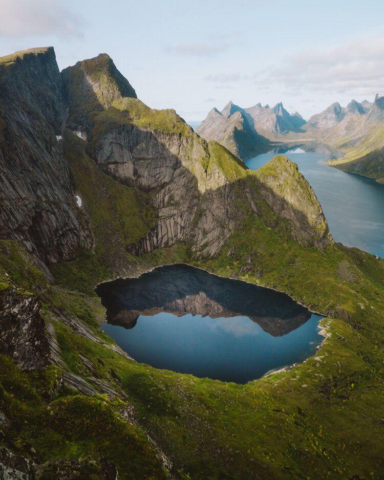 Lucas Guerra - Reine Creek, 2019, da série Norge