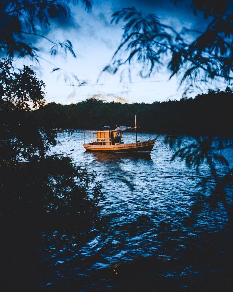 Yellow Boat, 2019, da série Across Brazil