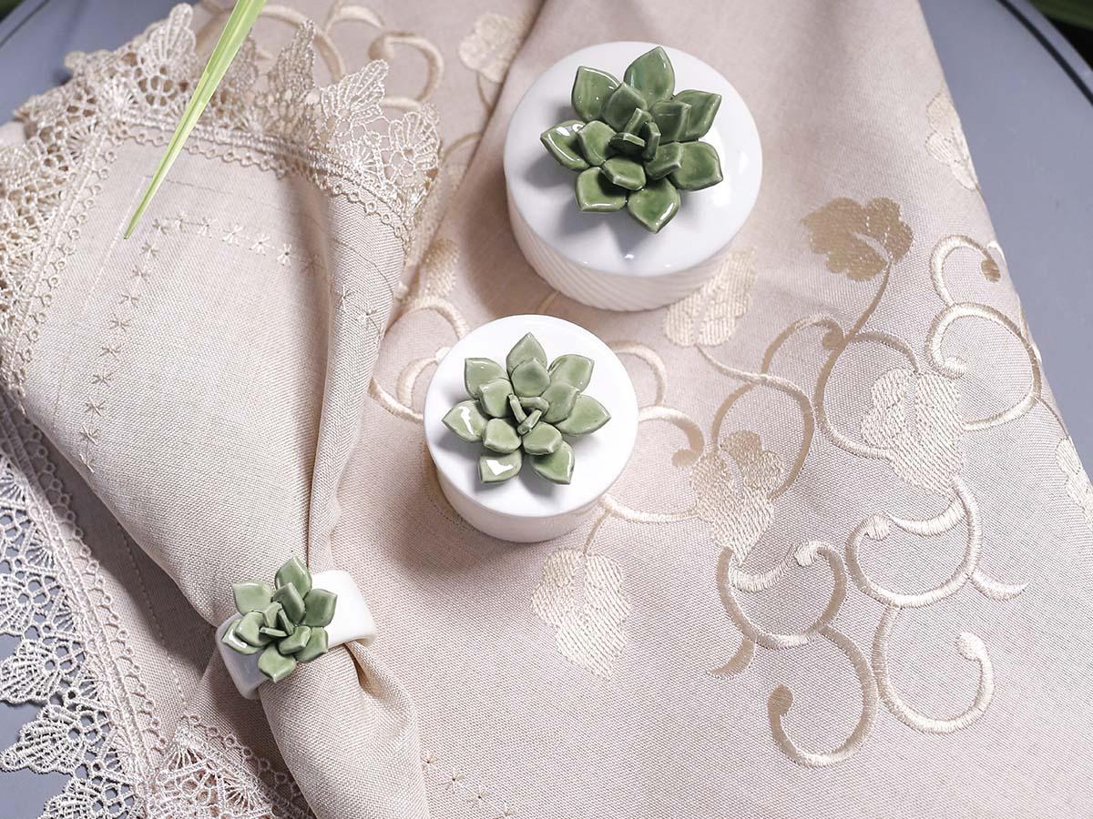 Potiche de Cerâmica Branca com Suculenta - 9 x 8,5 cm - 5830
