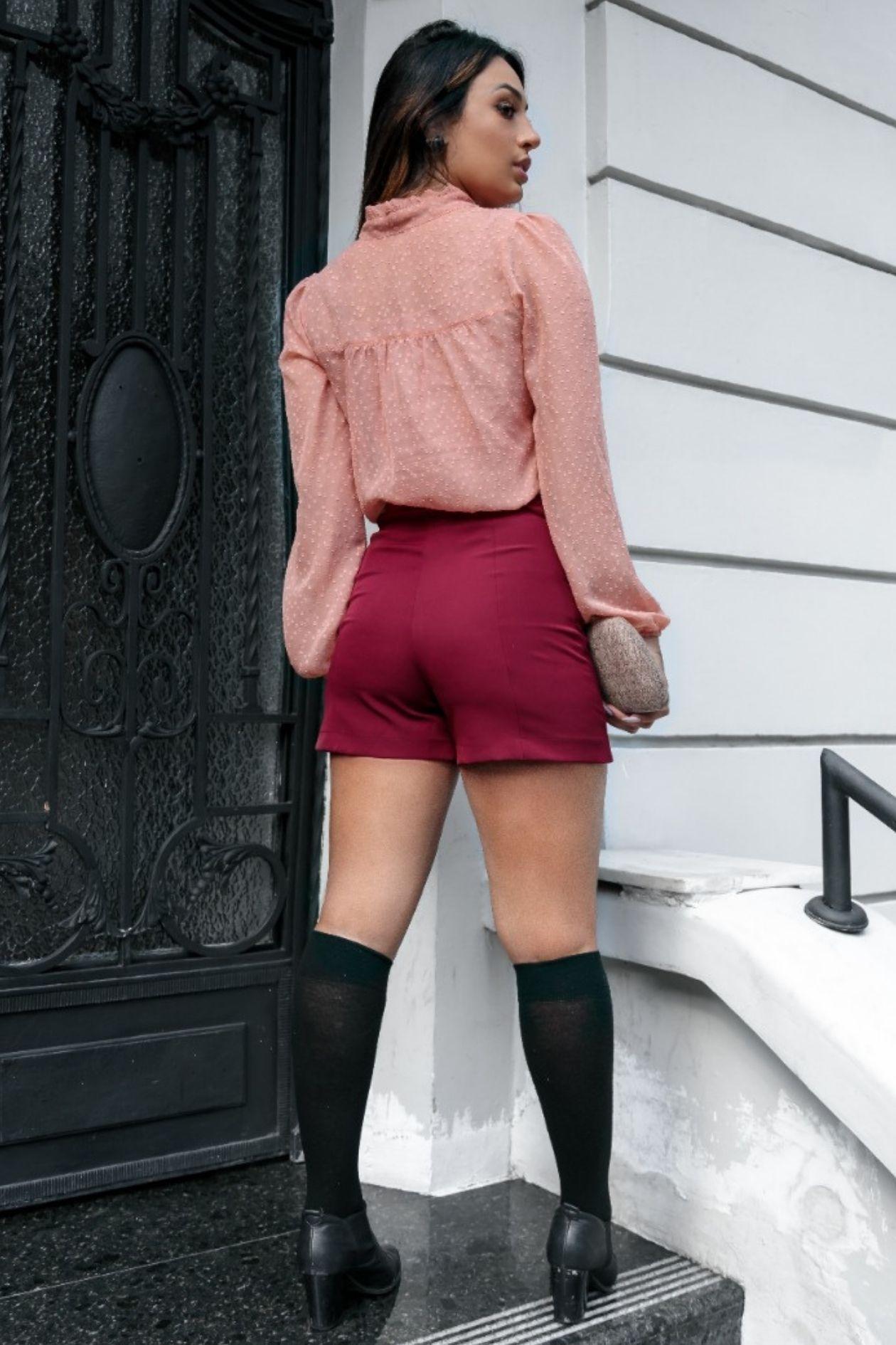 Shorts cintura alta com botões