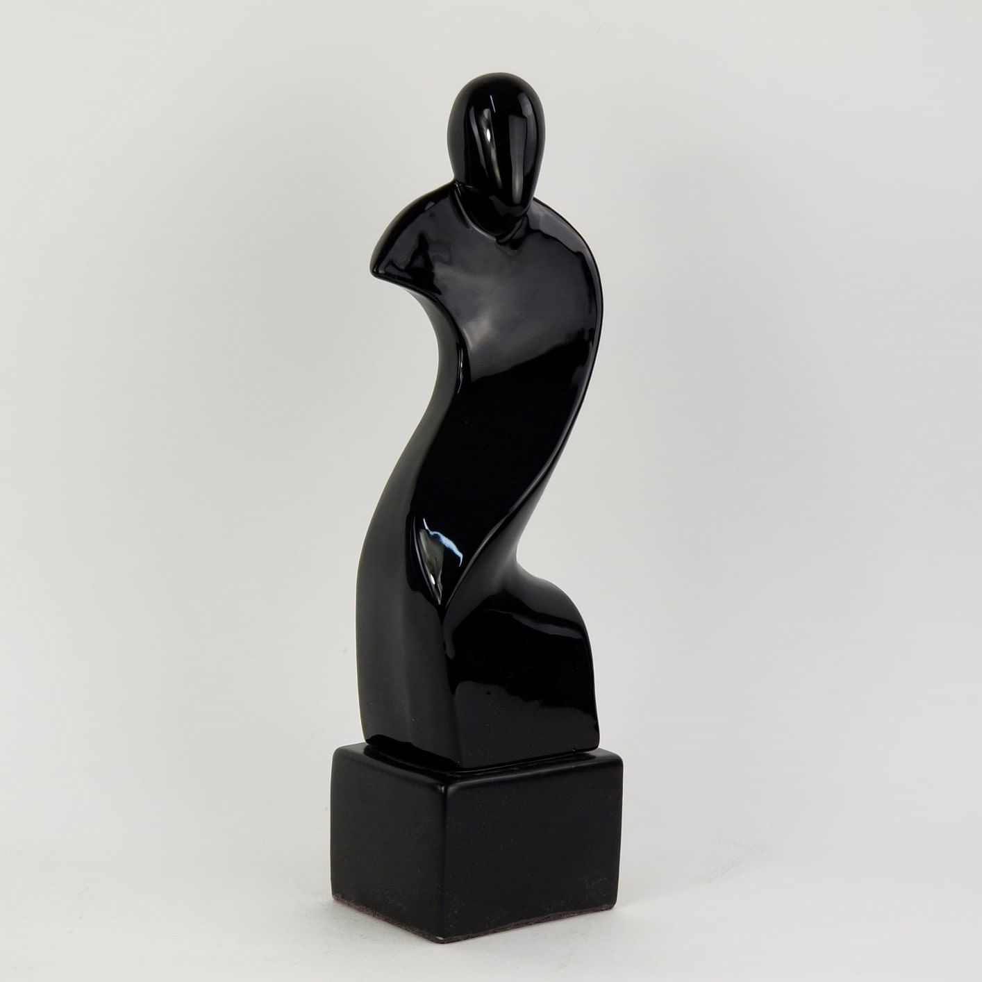 Escultura / Estatueta Preta Decorativa Forma de Homem e Base