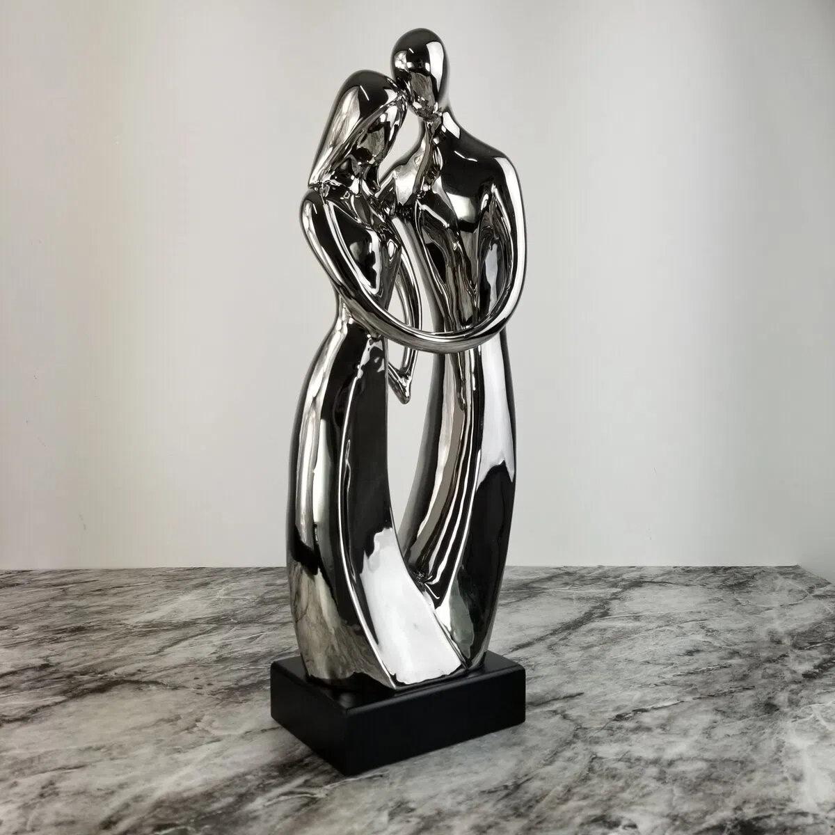 Escultura Figurativa Casal Apaixonado - Objeto Decorativo