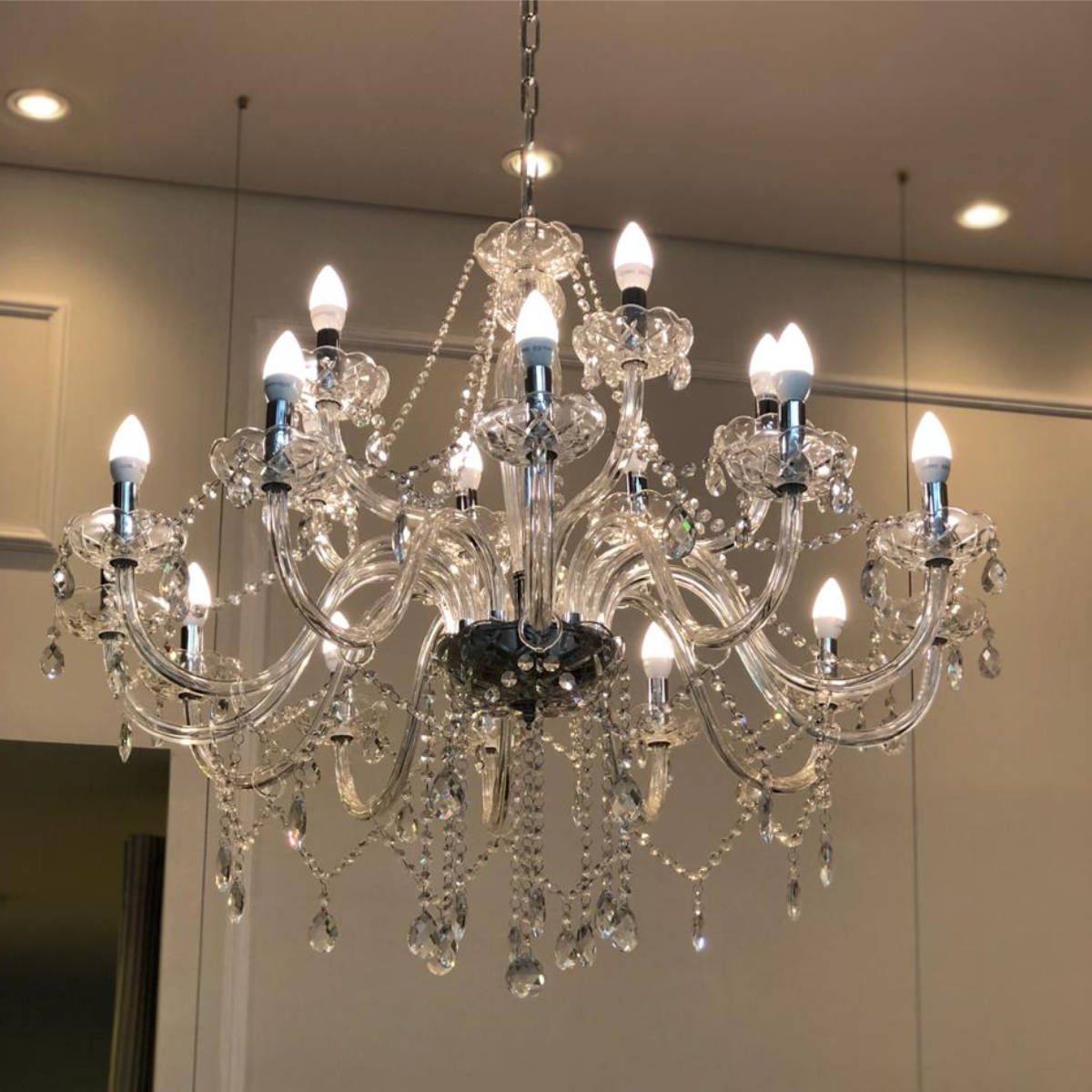Lustre Candelabro de Cristal Maria Tereza - 18 Braços Transparente