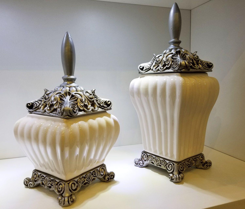 Pote / Vaso Pequeno de Cerâmica Off-White - Canelado Com Tampa