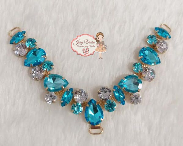 Cabedal Pedraria Azul Bebê com cristal(Par)