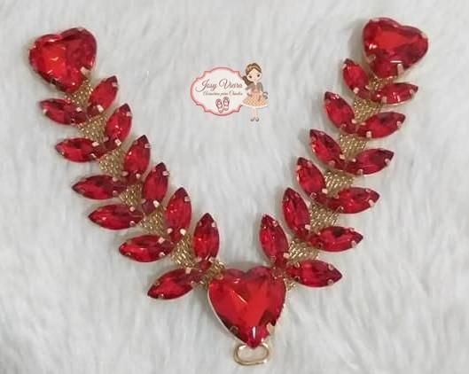 Cabedal pedraria com coração Vermelho (par)