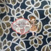 Lonita Floral Dourada e preta24x40