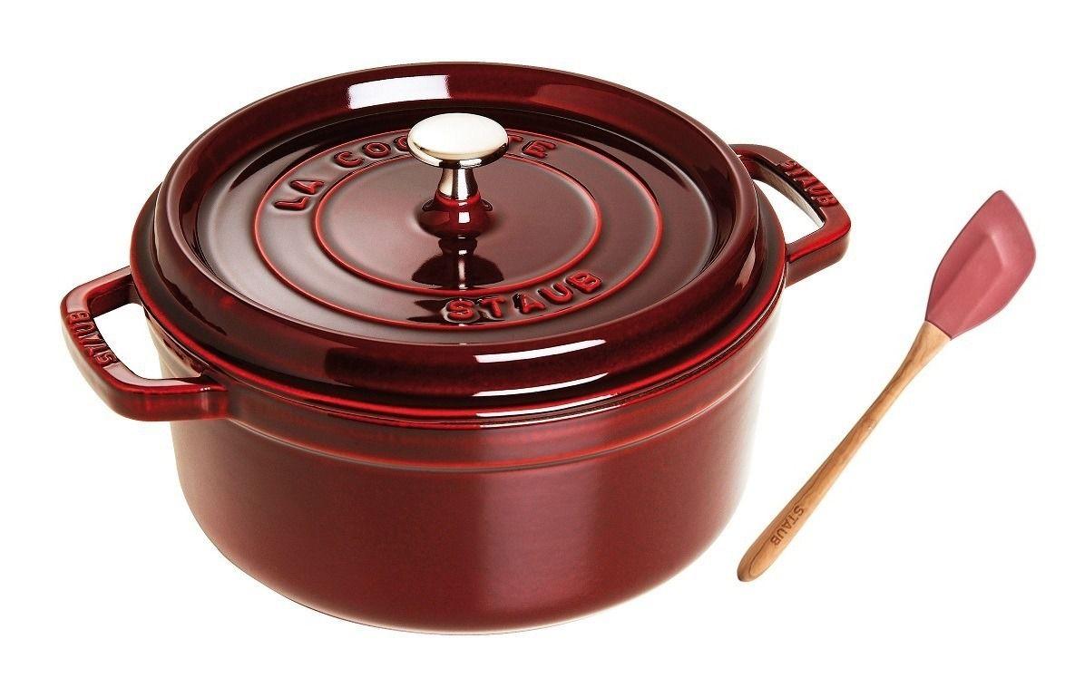 Caçarola Redonda 26cm de Ferro Fundido Vermelho + Espátula de Silicone Staub