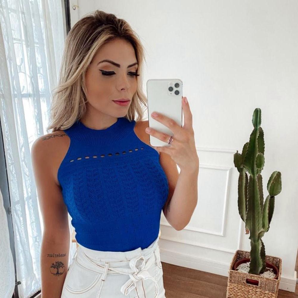 Blusa Golinha em Tricot Azul