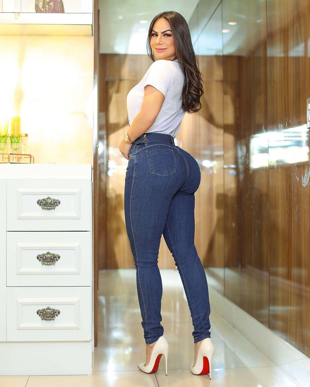 Calça Jeans Premium Básica Escura com Cinto de Brinde