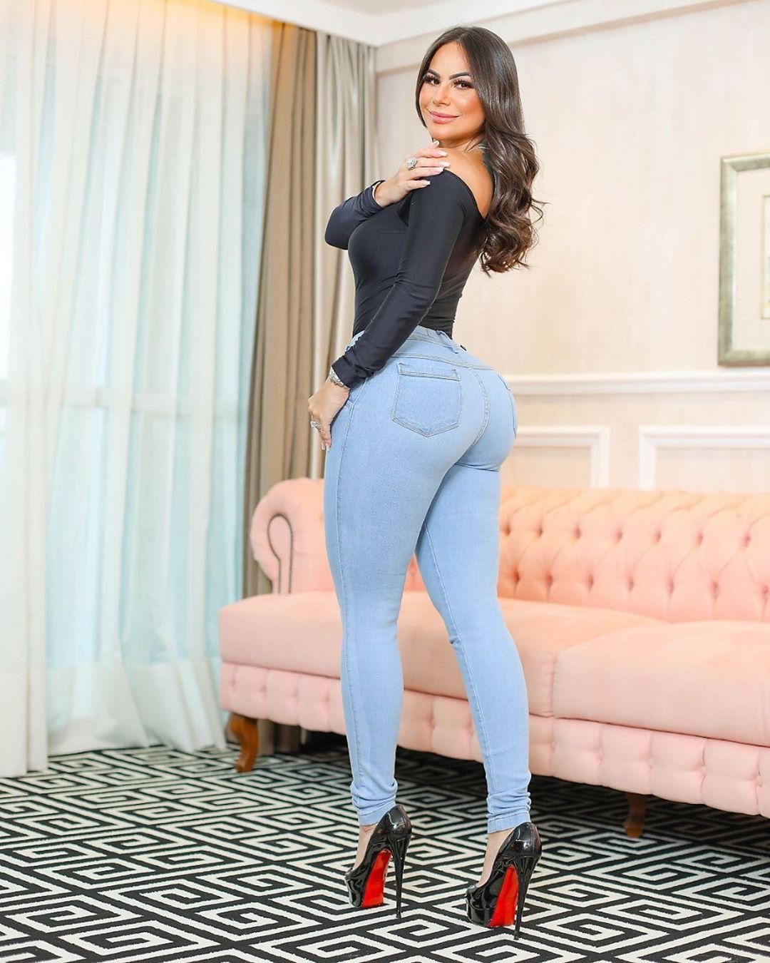Calça Jeans Premium Modelador Básica Clara 01 - Empina Bumbum